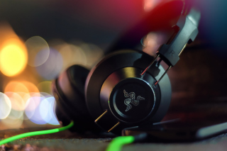 Razer Adaro DJ Analog Headphones Background for Android, iPhone and iPad