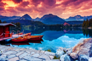 Lake In Canada Picture for Android, iPhone and iPad