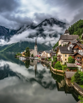 Free Hallstatt, Salzkammergut Picture for iPhone 6 Plus