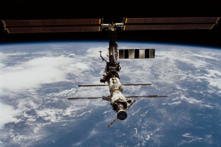 ISS And Earth Picture for Android, iPhone and iPad