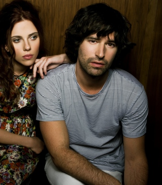 Free Pete Yorn & Scarlett Johansson Picture for Nokia C7