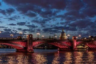 Westminster Bridge in UK Background for Android, iPhone and iPad