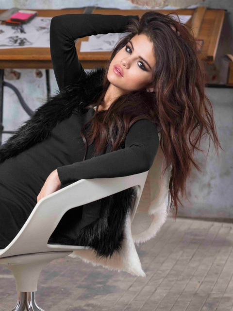 Selena Gomez New screenshot #1 480x640