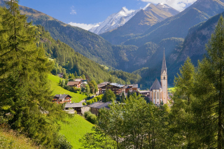Free Heiligenblut am Grossglockner in Austria Picture for Android, iPhone and iPad