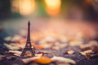 Toy Tour De Eiffel Wallpaper for Android, iPhone and iPad