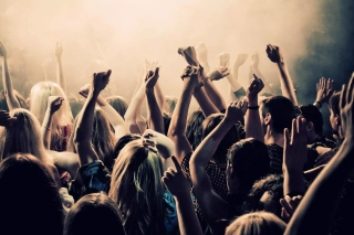 Crazy Party in Night Club, Put your hands up - Obrázkek zdarma pro 1024x600
