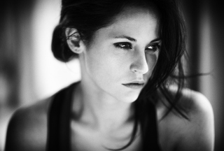 Free Brunette Girl Monochrome Portrait Picture for Android, iPhone and iPad