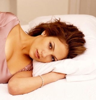 Jennifer Lopez In The Bed Picture for iPad mini