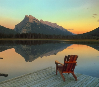 Wooden Chair With Pieceful Lake View sfondi gratuiti per iPad mini