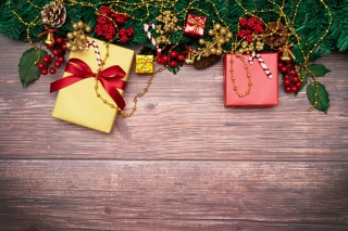 Free Christmas Decorations images Picture for Fly Levis