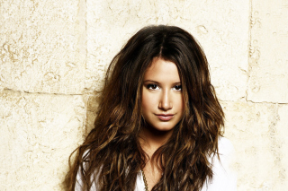 Free Ashley Tisdale Picture for Android, iPhone and iPad
