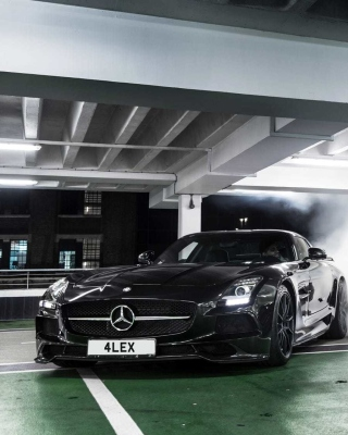 Mercedes in Garage Background for 480x800