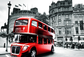 Retro Bus In London Picture for Android, iPhone and iPad
