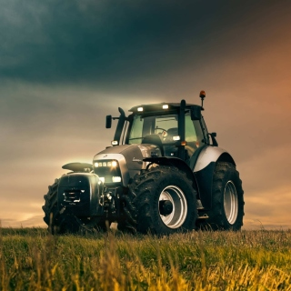 Free Lamborghini Trattori Tractor Picture for iPad