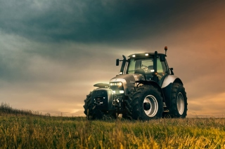 Free Lamborghini Trattori Tractor Picture for Android, iPhone and iPad