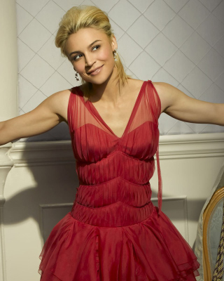 Samaire Armstrong Background for 240x320