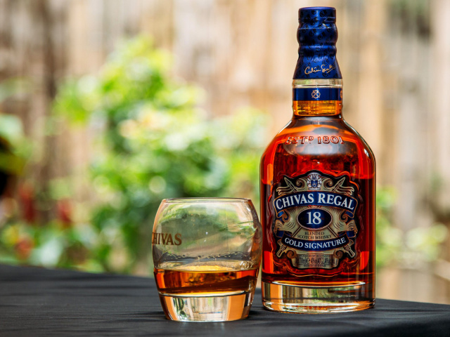 Screenshot №1 pro téma Chivas Regal 18 Year Old Whisky 640x480