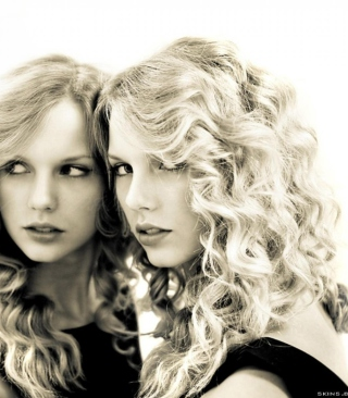 Taylor Swift Black And White Picture for HTC Titan