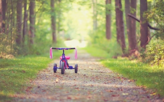 Child's Bicycle sfondi gratuiti per cellulari Android, iPhone, iPad e desktop