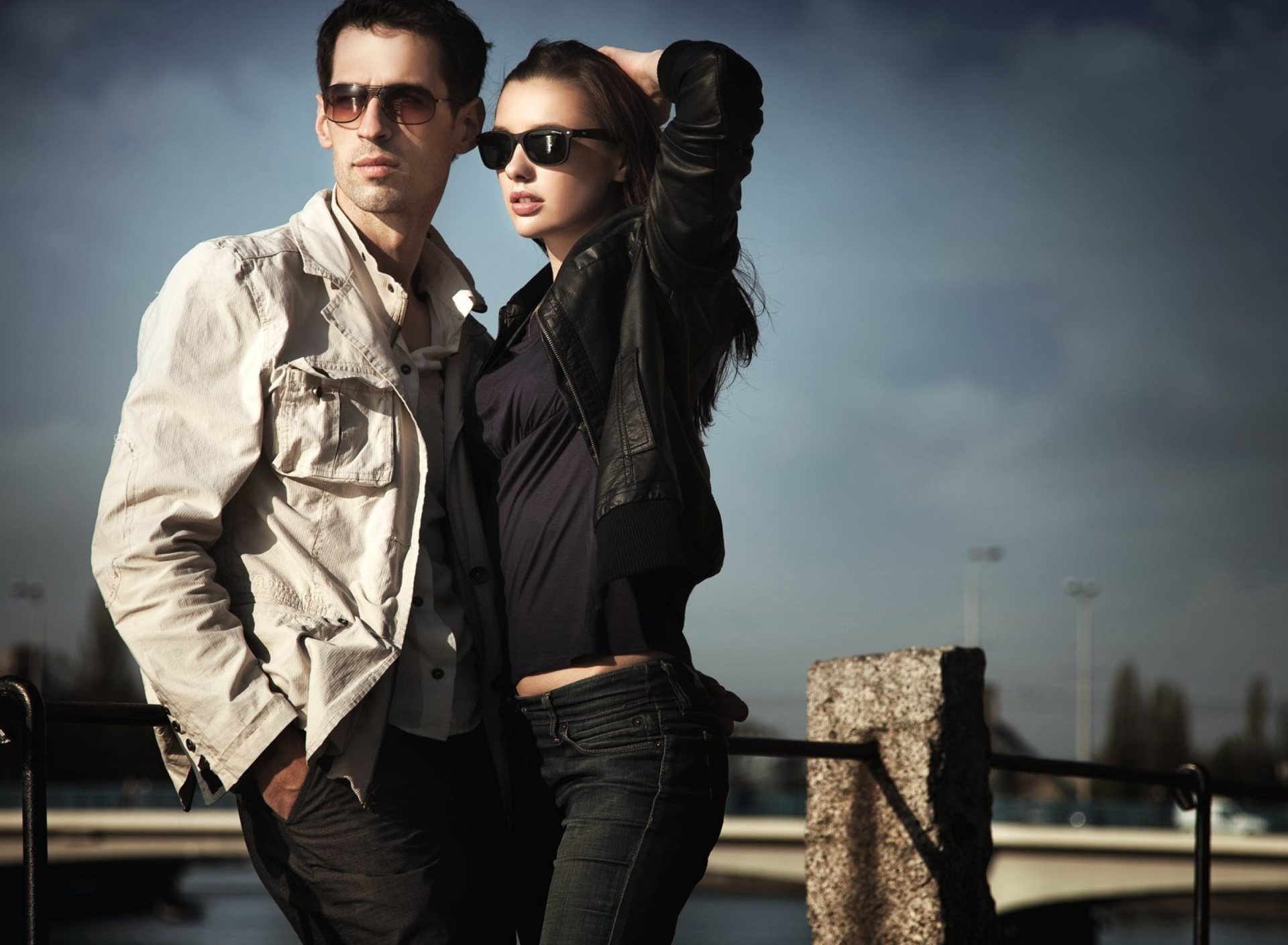 Couple portrait wallpaper 1920x1408