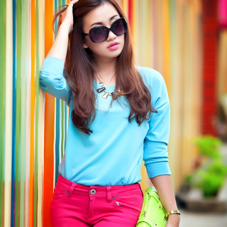Nice girl in summer sunglasses Wallpaper for iPad mini