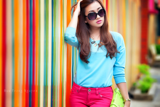 Nice girl in summer sunglasses Background for 1920x1080