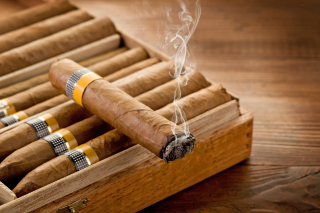 Kostenloses Cuban Cigar Cohiba Wallpaper für Samsung I9080 Galaxy Grand