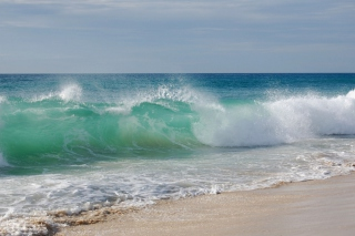 Free Blue Ocean Waves Picture for Android, iPhone and iPad