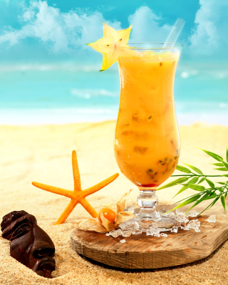Free Carambola and Maraschino Citrus Cocktail Picture for HTC Titan