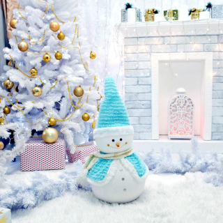 Christmas Tree and Snowman Picture for iPad 3