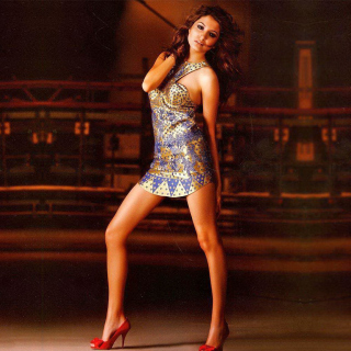 Anushka Sharma High Heels Girl sfondi gratuiti per iPad mini