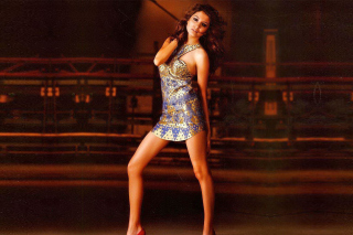 Kostenloses Anushka Sharma High Heels Girl Wallpaper für Samsung Galaxy Ace 3