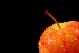 Apple On Black - Fondos de pantalla gratis