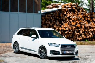 Audi Q5 Background for Android, iPhone and iPad