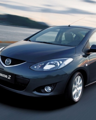 Mazda 2 Sedan sfondi gratuiti per iPhone 6 Plus