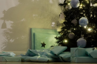 Presents And Christmas Tree Picture for Android, iPhone and iPad