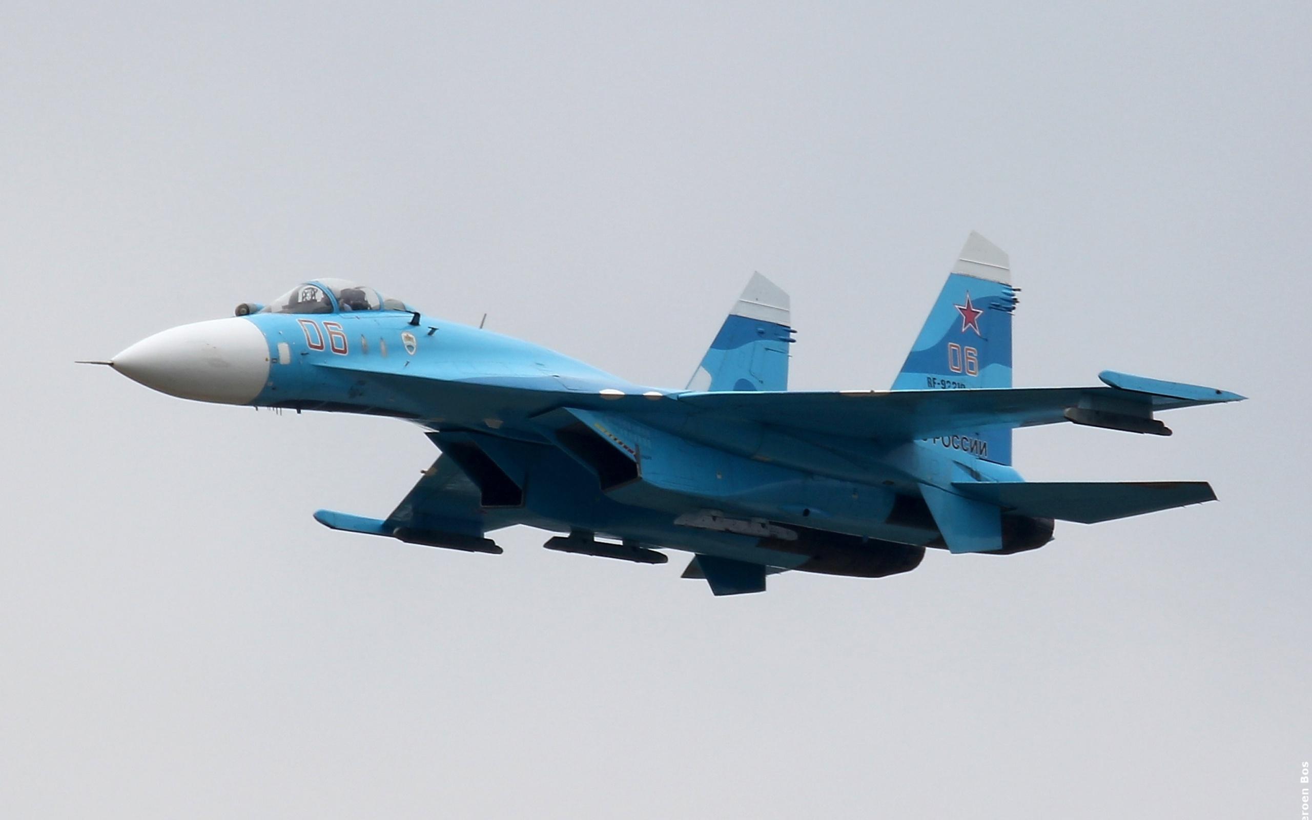 СУ-27 истребитель бесплатно