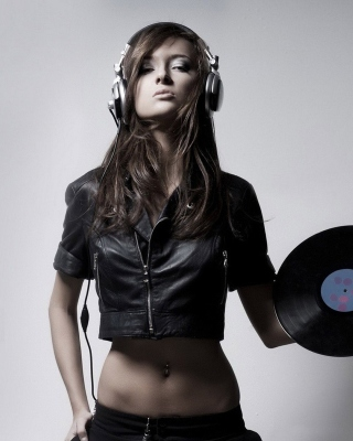 Dj Girl on Party sfondi gratuiti per 640x960