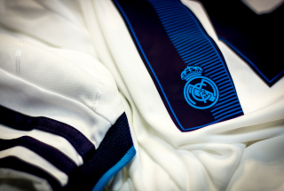 Kit Real Madrid Picture for Android, iPhone and iPad