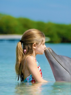 Screenshot №1 pro téma Girl and dolphin kiss 240x320