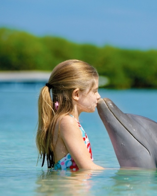 Girl and dolphin kiss papel de parede para celular para 240x320