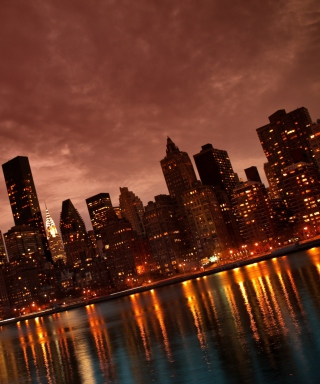 Manhattan Reflections sfondi gratuiti per 768x1280