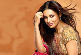 Bipasha Basu Bollywood Background for Android, iPhone and iPad