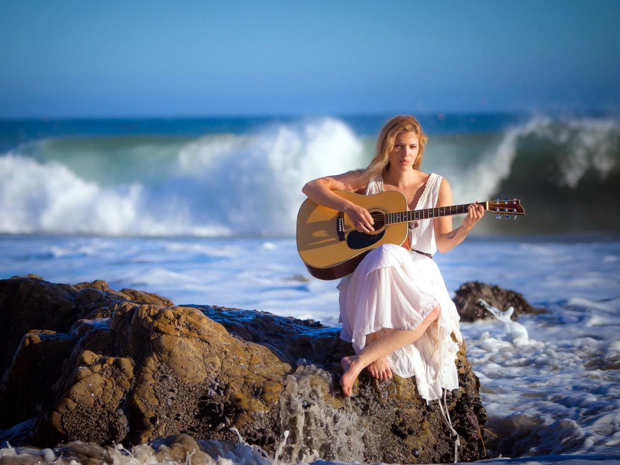 https://f.vividscreen.info/soft/aae7da49f696f426178d31cc00db3b5a/Girl-Waves-Music-1280x960.jpg