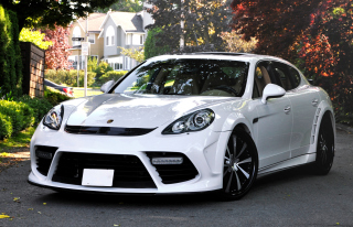 Free Porsche Panamera Picture for Android, iPhone and iPad