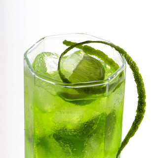 Green Cocktail with Lime - Fondos de pantalla gratis para iPad mini 2