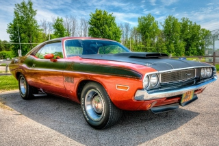 Free Dodge Challenger 1970 Picture for Samsung Galaxy Tab 4