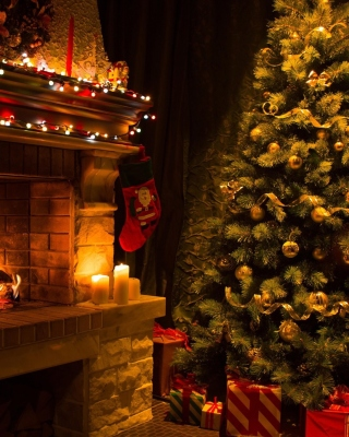 Kostenloses Christmas Tree Fireplace Wallpaper für 320x480