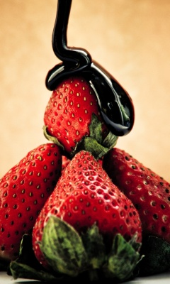 Screenshot №1 pro téma Strawberries with chocolate 240x400