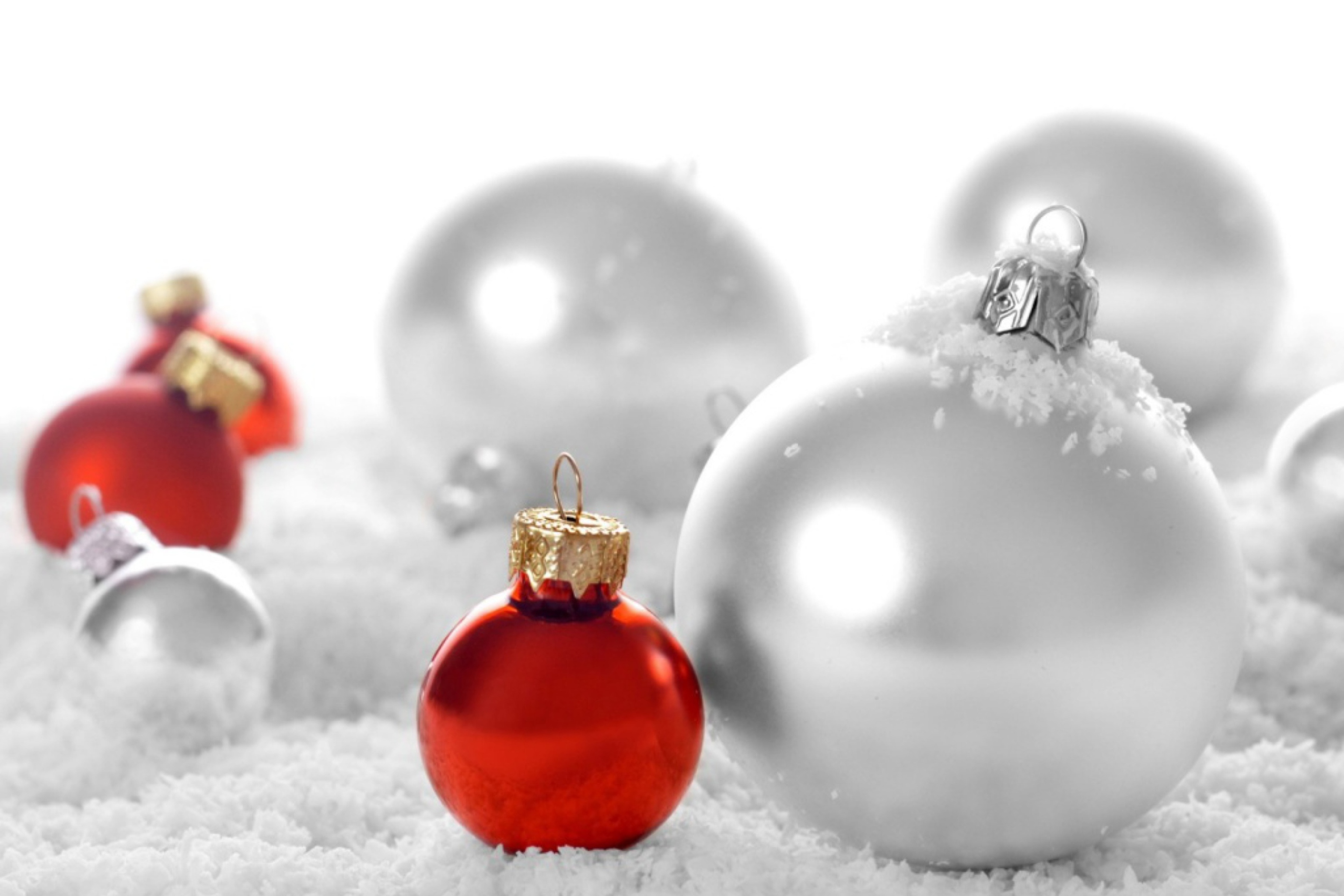 Christmas Decorations wallpaper 2880x1920